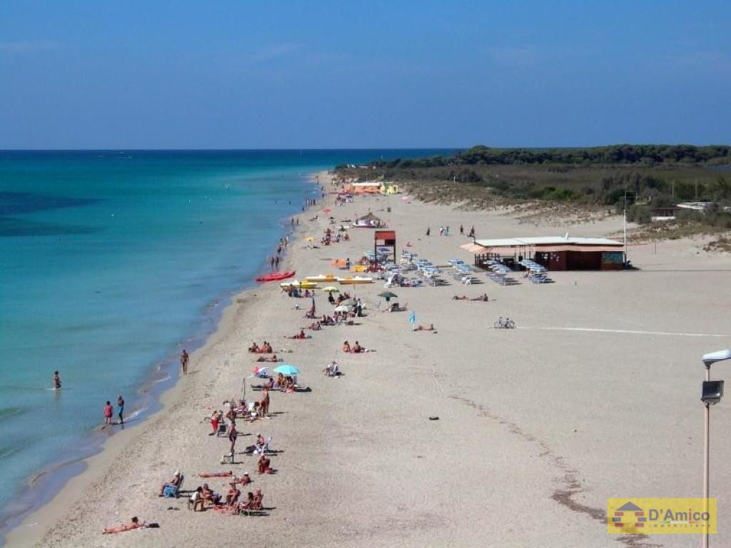 Appartamenti nuovi arredati a 100 mt dalla spiaggia ugento for Foto di appartamenti ristrutturati