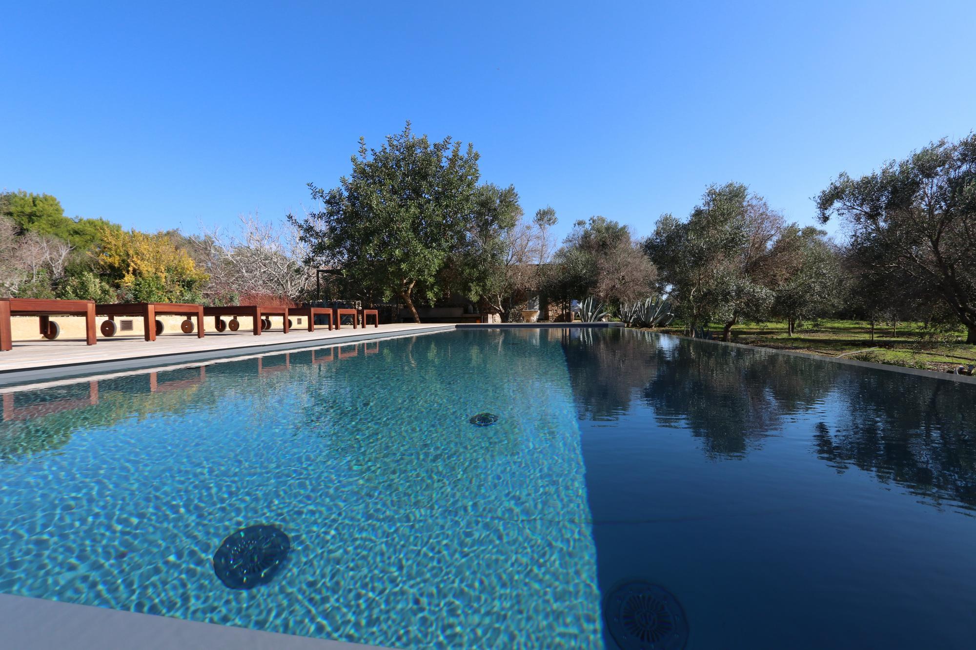 Villa con Piscina, e Trulli ristrutturati abitabili, in un meraviglioso giardino  - Morciano di Leuca