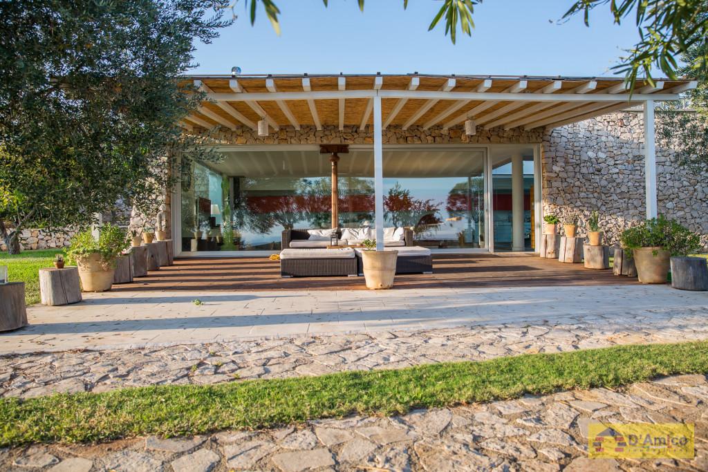 Prestigiosa villa denominata salento con vista mare e - Villa con piscina salento ...