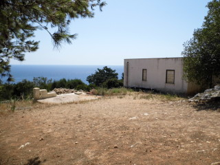Villa con vista panoramica di mq 103 su terreno di mq 5000.