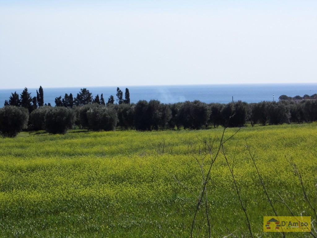 Terreno edificabile vista mare per 1 o 2 ville a for Passi per l acquisto di terreni e la costruzione di una casa