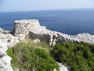 3 Pajare a picco sulla scogliera adriatica di Santa Maria di Leuca