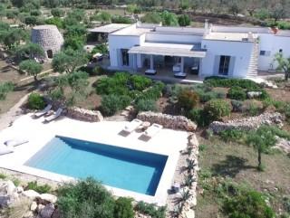Villa stile mediterraneo, vista mare, con Piscina