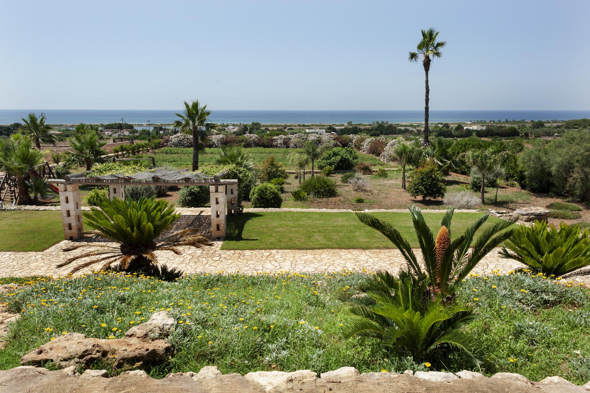 Villa vista mare a Pescoluse, in collina, a 700 mt dalla spiaggia - Salve