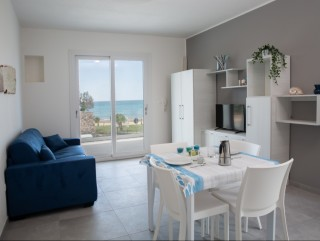 Apartment, First Floor, independent, facing the sea, with garden