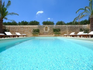 CHARMING Masseria (farmhouse), Sea View, with Pool