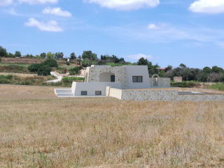 Villa with Pool, sea view, under construction in Pescoluse