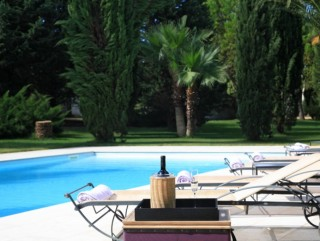 Villa lussuosamente arredata con splendidi giardini e piscina