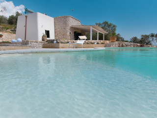 Villa with swimming pool, lovely sea view and wonderful garden