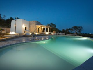Villa con Piscina, Vista Mare incantevole e giardino meraviglioso