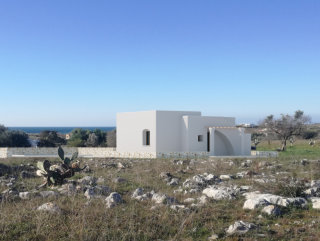 PESCOLUSE, Villa and Pool with sea view, newly built