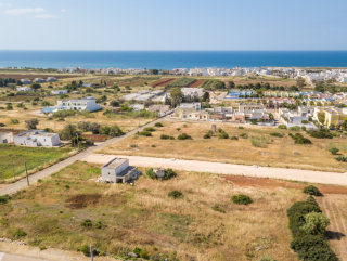 Lots of building land Villas with sea view, 800 meters from the beach