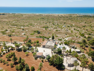 Estate with Villa, Dependance and Swimming pool with sea view
