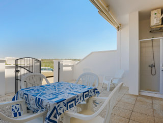 Independent apartment on the ground floor 100 meters from the beach