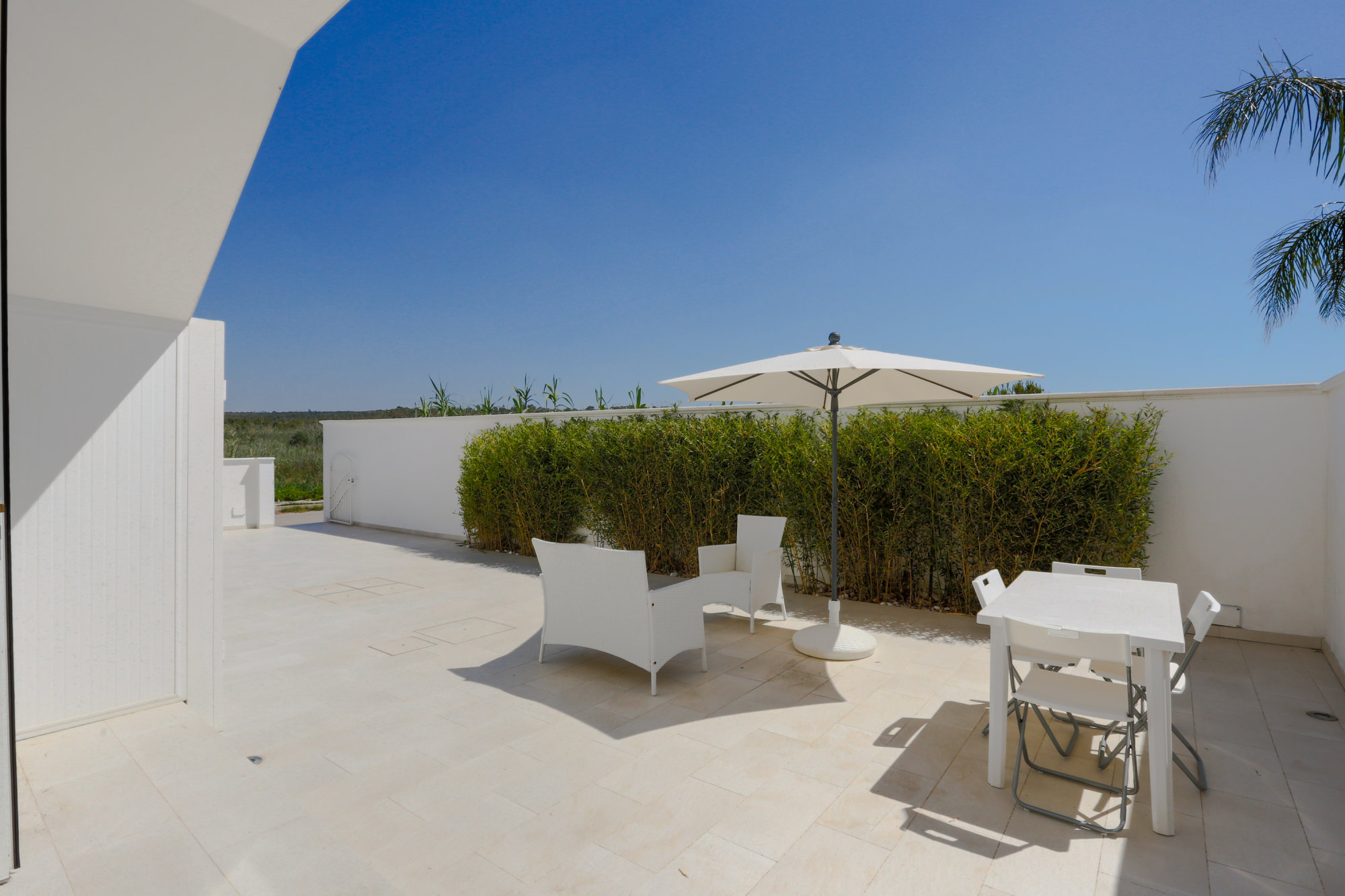 Villetta con 2 mini appartamenti, con giardino a 100 metri dalla spiaggia - Ugento
