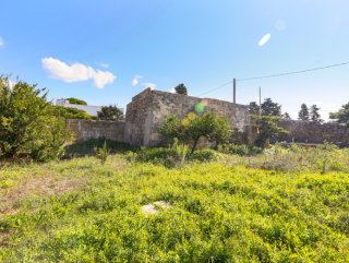 Rural building with garden and cave in Giuliano, Salento