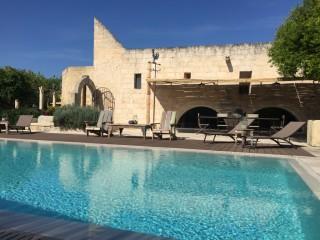 Vendita Palazzo , in centro storico nel Salento, con giardino e piscine